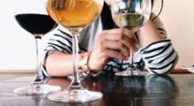 Headbang Todo lo que debes saber para ordenar vino en una cita