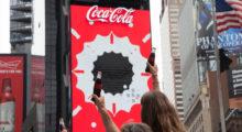 Headbang Coca Cola presenta el primer anuncio 3D en la historia en NY