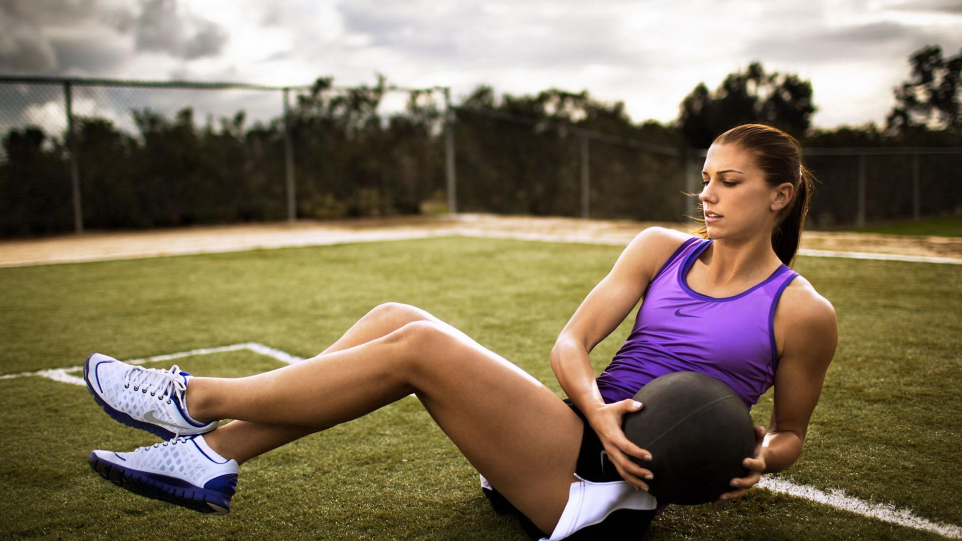 Estas deportistas te van a ayudar a levantar el ánimo y muchas cosas más