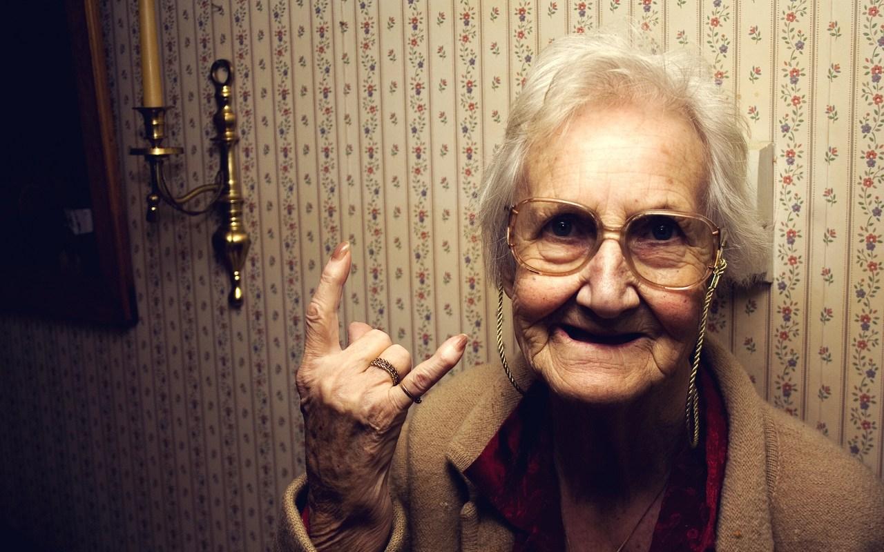 5 frases de abuelita que todo millennial debe saber