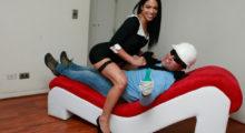 Headbang Experimenta con tu pareja, conoce estos muebles eróticos que te volarán la cabeza
