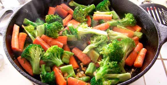 Qu es mejor consumir verduras crudas o cocidas headbang for Espinacas como cocinarlas