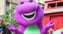 Headbang Barney el Dinosaurio ahora es terapeuta sexual