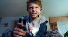 Headbang Este chico se quedó sin caminar por un videojuego