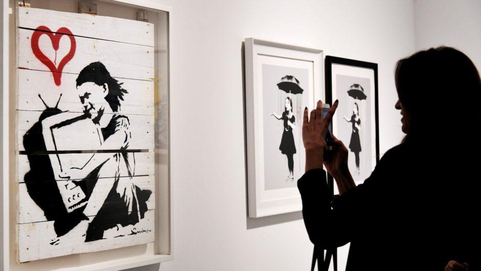 Abren expo del artista urbano Banksy y el mundo del arte se escandaliza