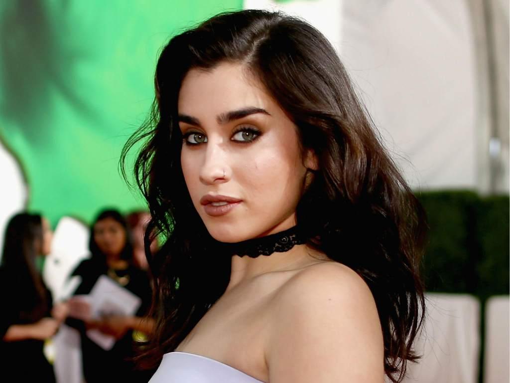 Esta cantante de Fifth Harmony se destapa para la Playboy y esta impactante