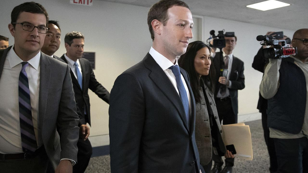 Mark Zuckerberg ¿fuera de Facebook?